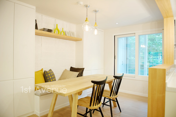 Modern style kitchen by 퍼스트애비뉴 Modern