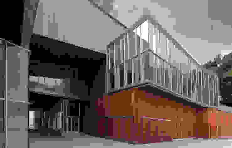 AUDITORIO Y CENTRO SOCIO-CULTURAL: Casas de estilo  de asieracuriola arquitectos en San Sebastian