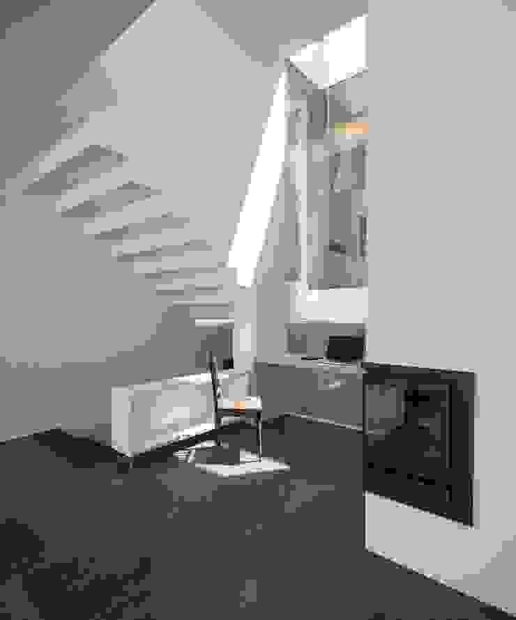 CASA 103 Salas de estar modernas por MARLENE ULDSCHMIDT Moderno