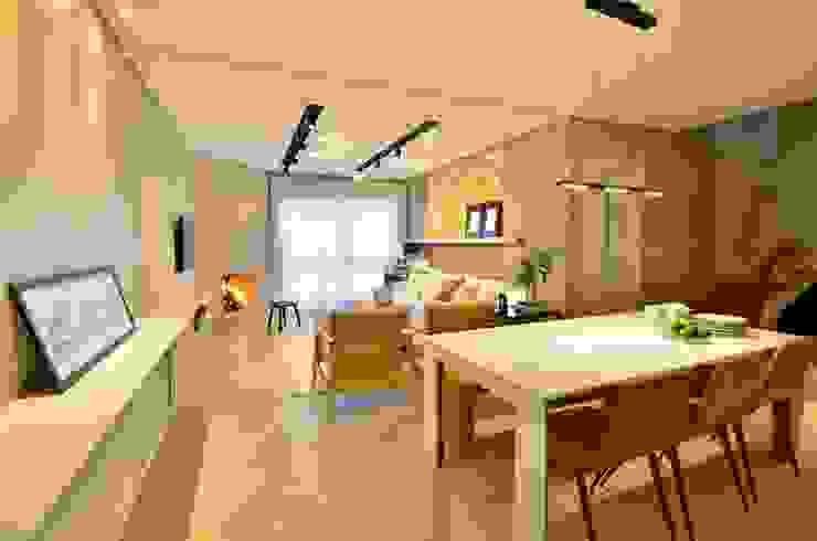 decoração despojada, acolhedora de linhas retas Salas de jantar modernas por karen feldman arquitetos associados Moderno Concreto