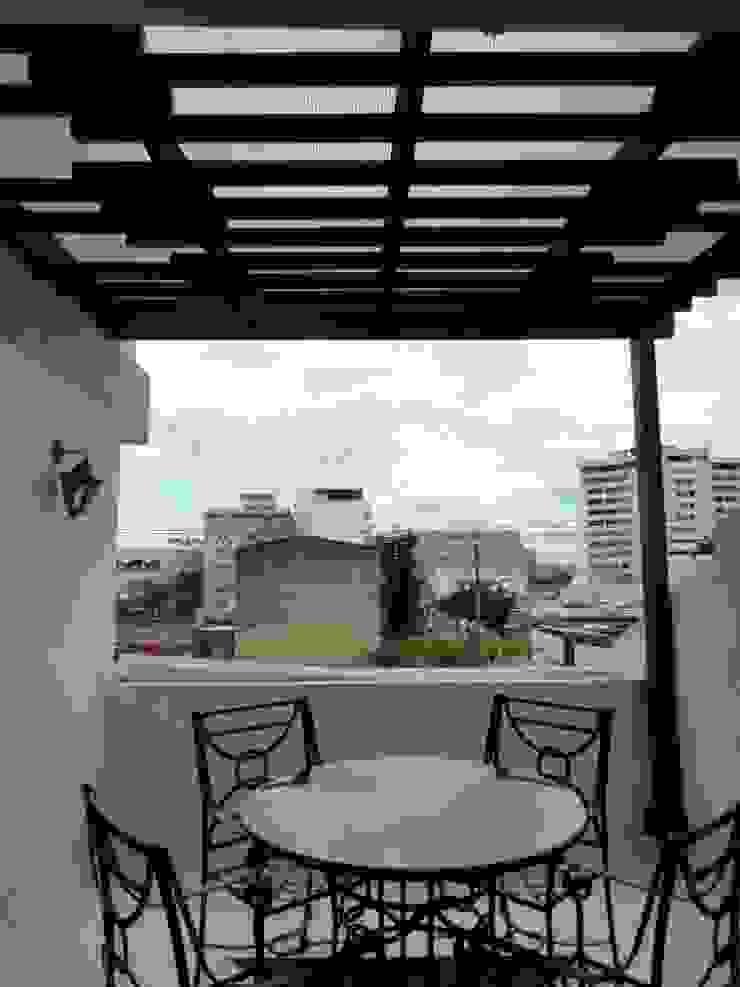 Remodelación Terraza Balcones y terrazas de estilo moderno de A201 Taller de Arquitectura Moderno
