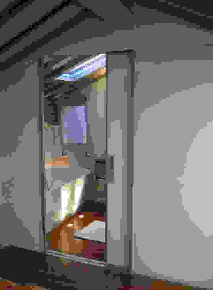 cristina mecatti interior design Modern bathroom