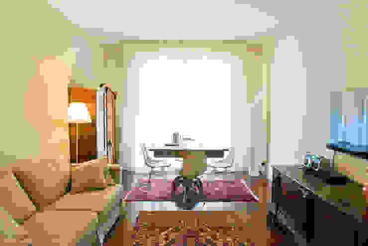 MARTA'S Soggiorno classico di cristina mecatti interior design Classico