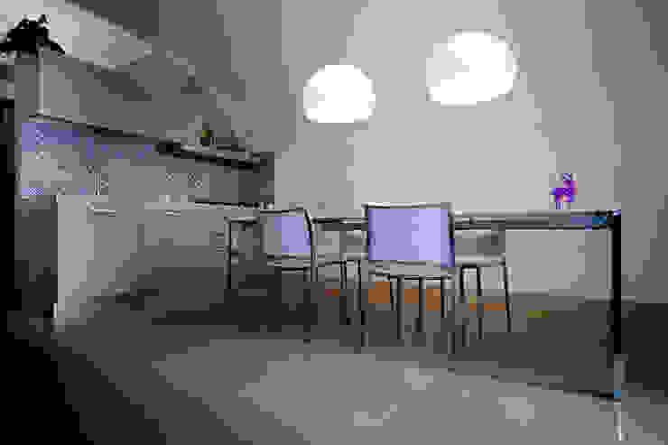 Realizzazioni Sala da pranzo moderna di antonio pelella + fabrizia costa cimino Moderno