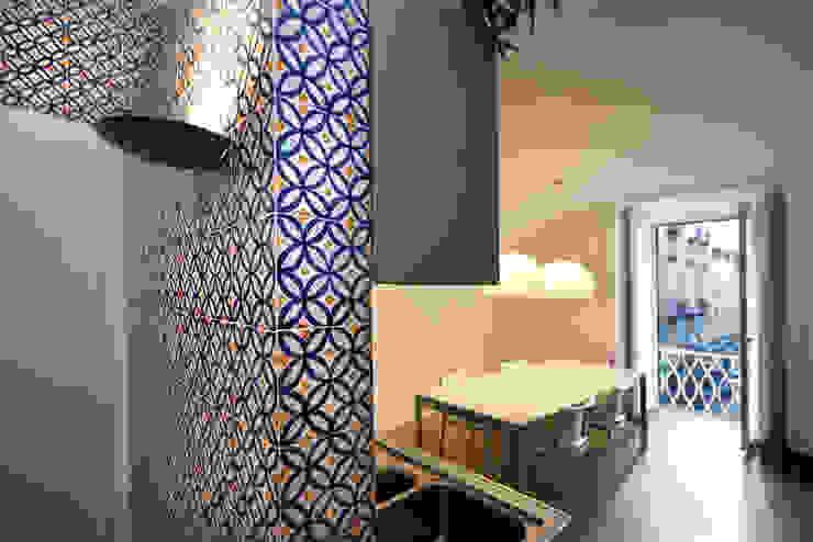 Realizzazioni Ingresso, Corridoio & Scale in stile moderno di antonio pelella + fabrizia costa cimino Moderno