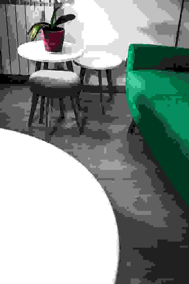 CASA PRIVATA 2012 – ROMA CASSIA Soggiorno moderno di Mostarda Design Moderno