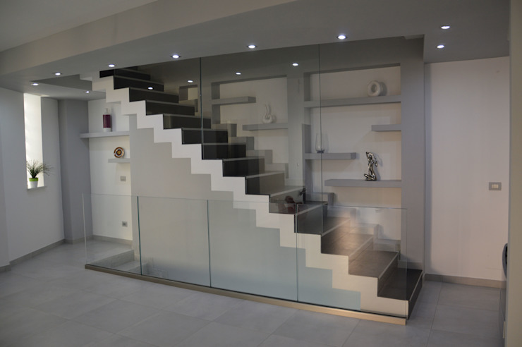 Realizzazioni Sergio Guastella STUDIO97 Nowoczesny korytarz, przedpokój i schody