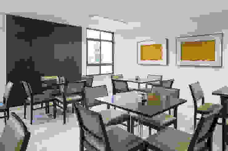 Lobby Bittar Inn Hotéis modernos por BORA Arquitetos Associados Moderno