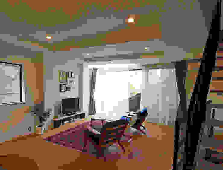 リビング階段の家 オリジナルデザインの リビング の Egawa Architectural Studio オリジナル