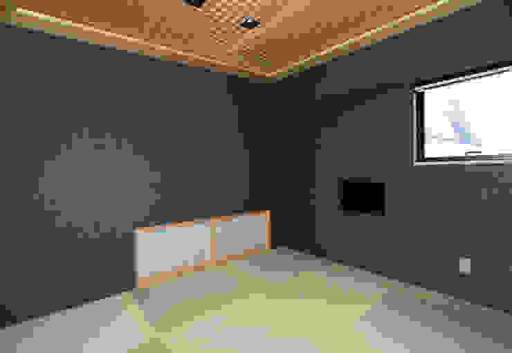 境内に建つ家 Egawa Architectural Studio オリジナルな 壁&床