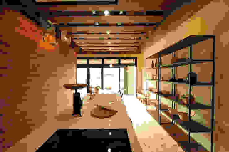 住宅ショールーム-材半建設 の Egawa Architectural Studio オリジナル