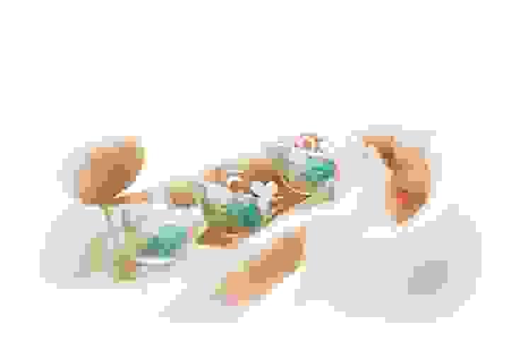幸せを運ぶ青い鳥: RINVERREが手掛けた折衷的なです。,オリジナル ガラス