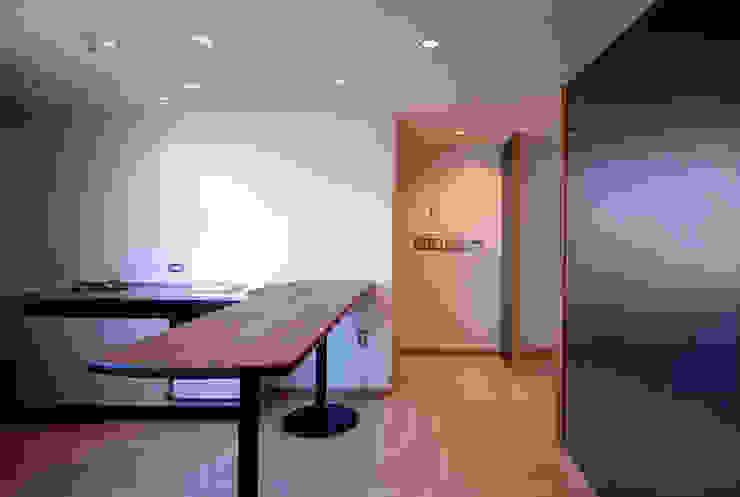 厨房、喫煙コーナー の 松井建築研究所 オリジナル