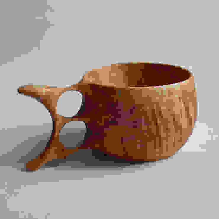 トチノキのマグカップ: atelier dehorsが手掛けたスカンジナビアです。,北欧 木 木目調