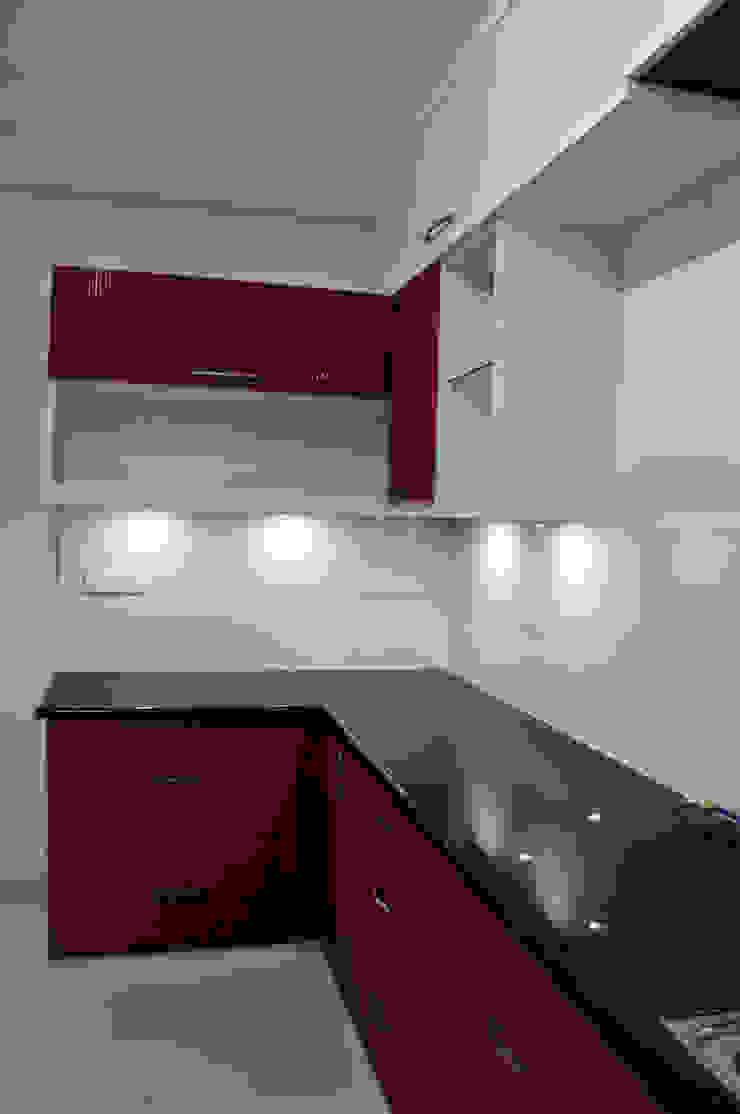Compact Kitchen Minimalist kitchen by 3A Architects Inc Minimalist Granite
