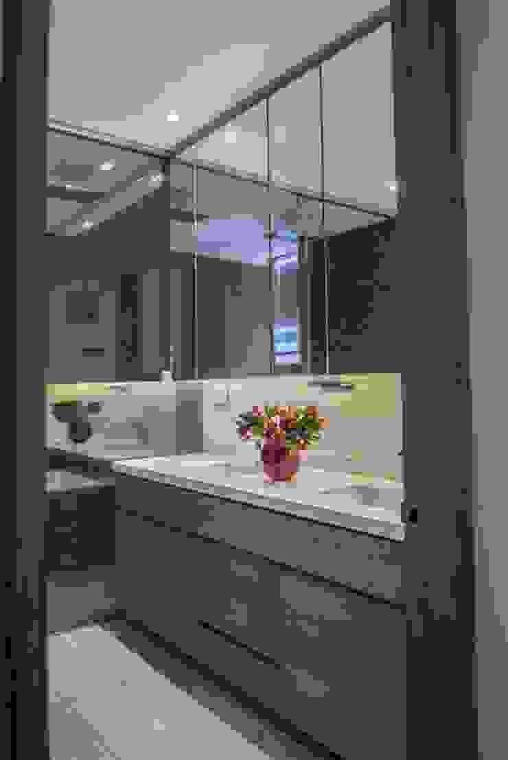 Apto PA2 Baños de estilo moderno de AMR ARQUITECTOS Moderno