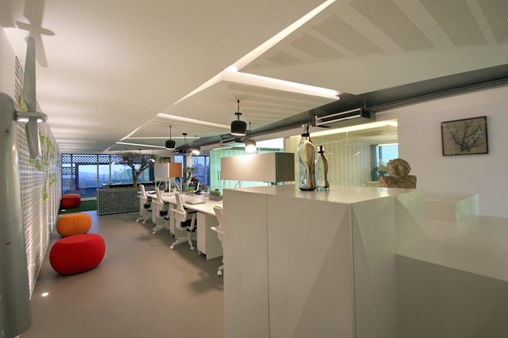 Halo Enerie Office Modern office buildings by NA ARCHITECTS Modern