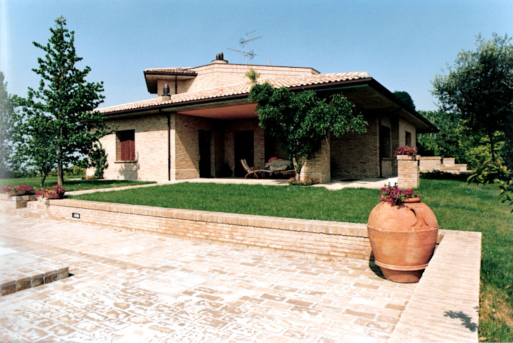 ARCHITETTURA - CASA UNIFAMILIARE IN CESENA (FC) Studio Architettura e Design Arch. Massimo Rovereti Case moderne