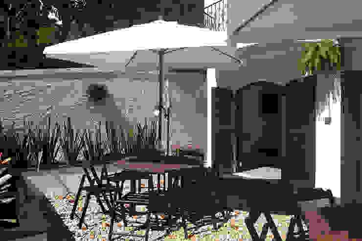 Jardines modernos: Ideas, imágenes y decoración de Tria Arquitetura Moderno