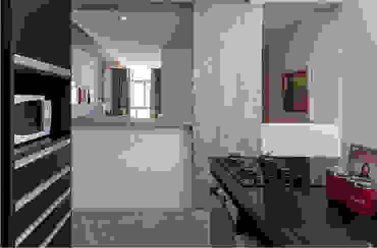 Cocinas de estilo moderno de Tria Arquitetura Moderno