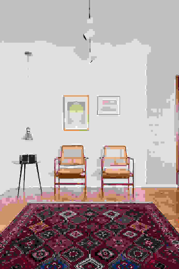 APARTAMENTO JARDINS Salas de estar modernas por Tria Arquitetura Moderno