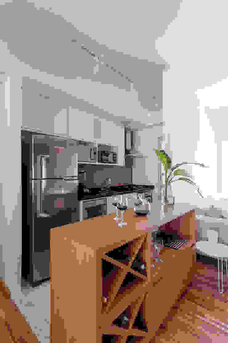 APARTAMENTO MICHIGAN Cozinhas modernas por Tria Arquitetura Moderno