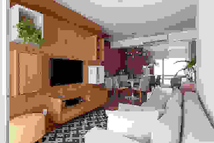 APARTAMENTO MICHIGAN Salas de estar modernas por Tria Arquitetura Moderno