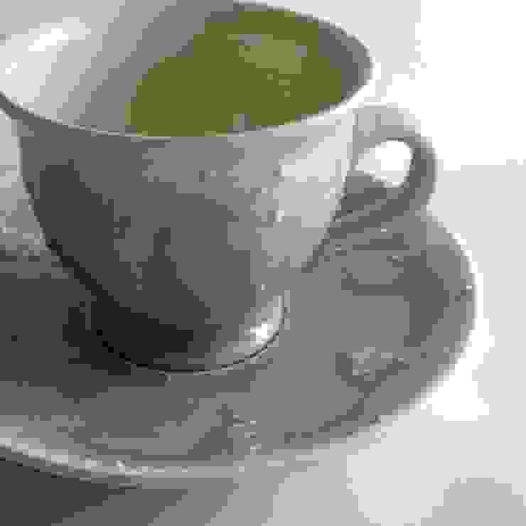 modern  by 佐藤美季, Modern Porcelain