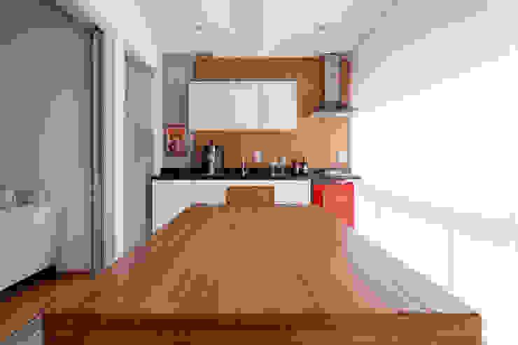 APARTAMENTO MICHIGAN Varandas, alpendres e terraços modernos por Tria Arquitetura Moderno