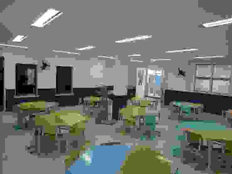 Arquitetura Escolar Escolas modernas por Architelier Arquitetura e Urbanismo Moderno