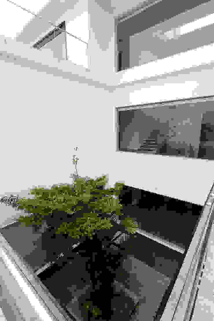 Residential Bungalow Modern balcony, veranda & terrace by NA ARCHITECTS Modern