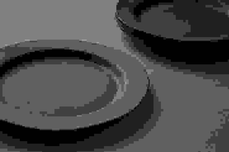 リムプレート rm-2: su-nao homeが手掛けた折衷的なです。,オリジナル 陶器