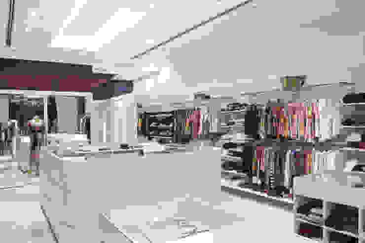 Luciano Esteves Arquitetura e Design Centres commerciaux modernes