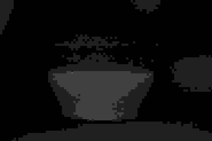 Stone ware flower vase: 小野澤弘一が手掛けた現代のです。,モダン 陶器