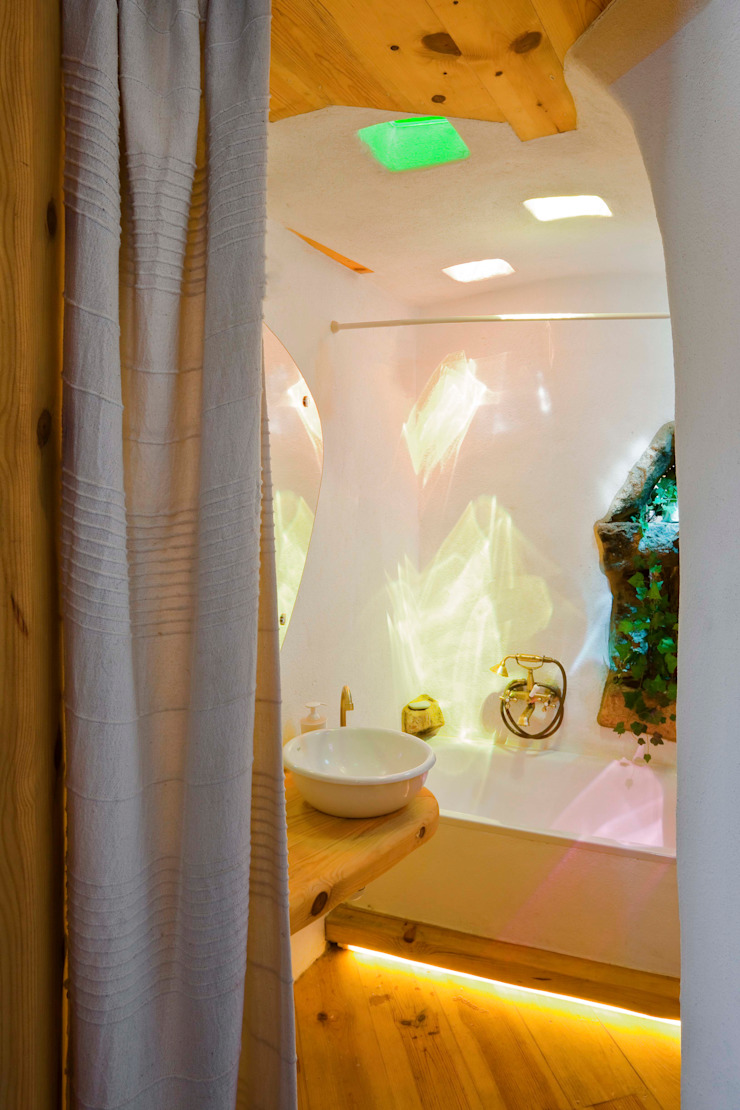 Rustic style bathroom by pedro quintela studio Rustic