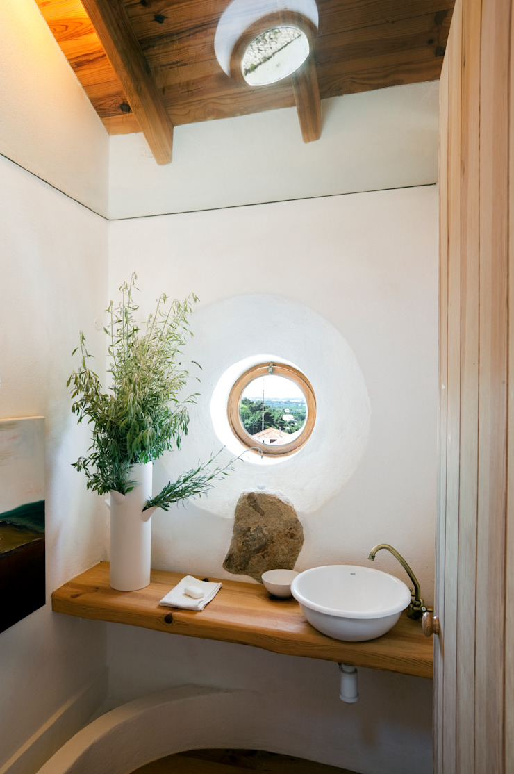 Rustic style bathroom by pedro quintela studio Rustic Glass