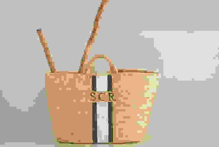 Monogrammed Basket por Companhia das Cestas Rústico