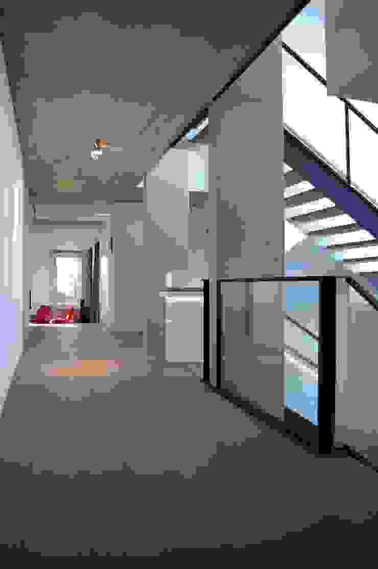 ARTERRA 走廊 & 玄關 水泥 Grey