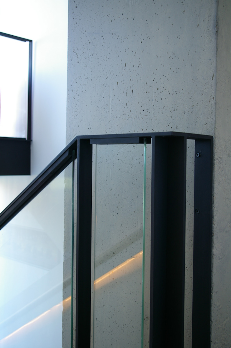 ARTERRA 走廊 & 玄關 鐵/鋼 Black
