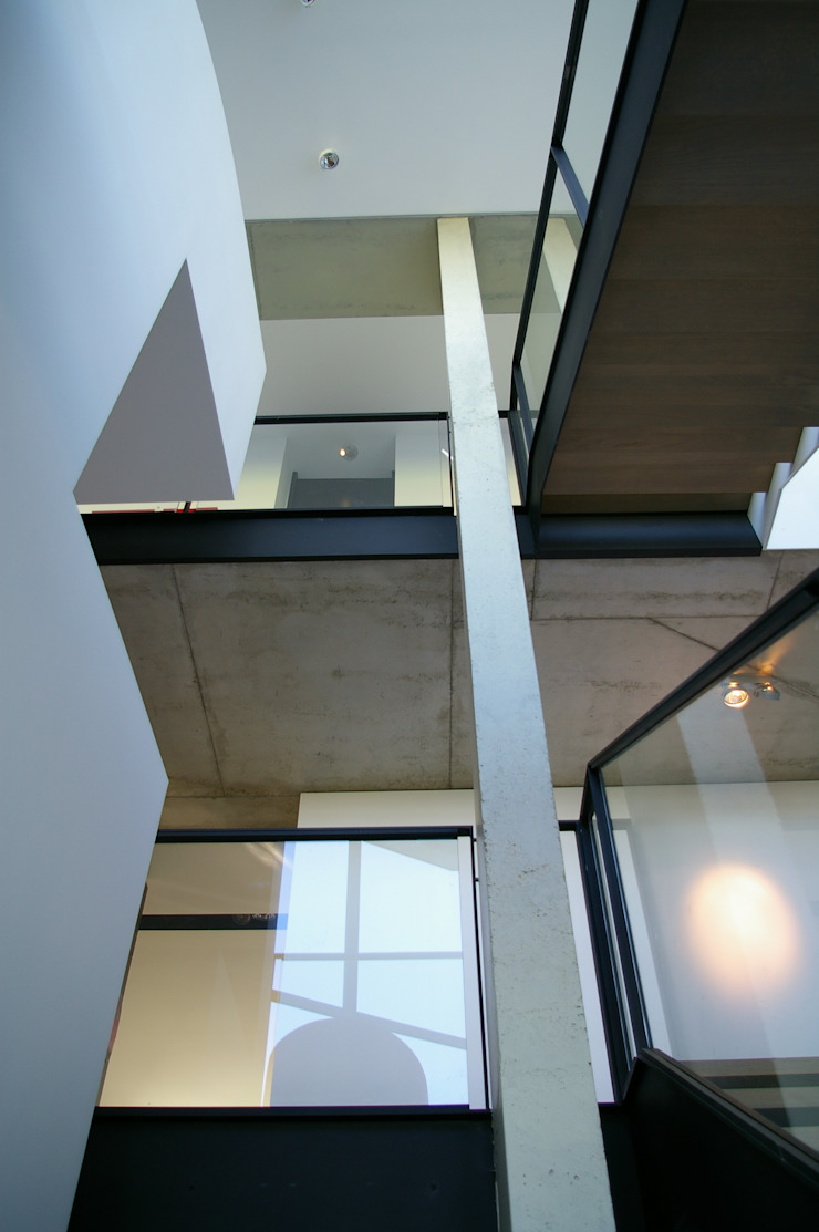 ARTERRA 走廊 & 玄關 金屬 Grey