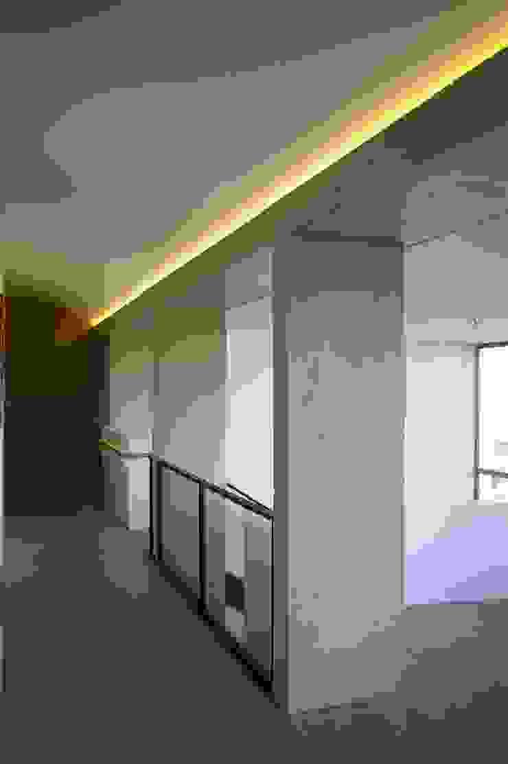 ARTERRA 走廊 & 玄關 強化水泥 Grey