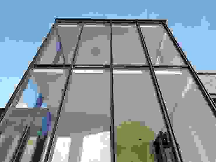Tour vitrée Maisons minimalistes par ARTERRA Minimaliste Verre