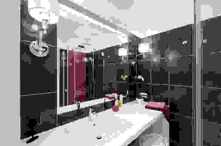 Elegancka łazienka z kobiecymi dodatkami Nowoczesna łazienka od ZAWICKA-ID Projektowanie wnętrz Nowoczesny