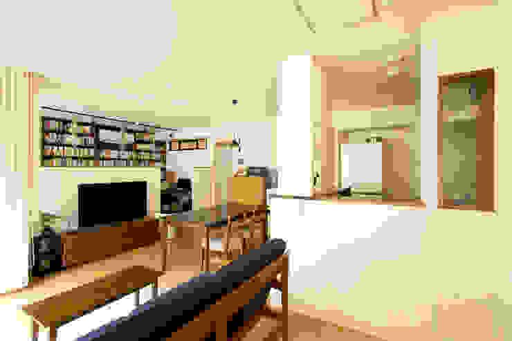 こだわりの書斎スペースのあるリビング【Sさま邸】 の 株式会社スタイル工房