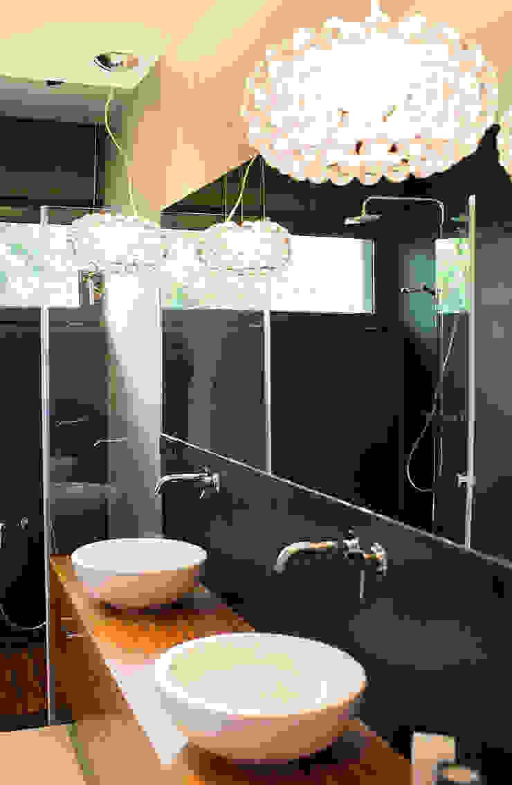 dom prywatny Nowoczesna łazienka od anna jaje Nowoczesny