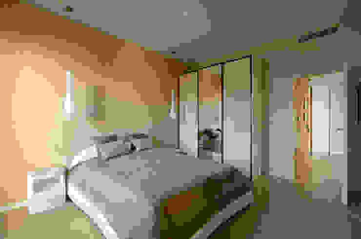 Modern Bedroom by ZAWICKA-ID Projektowanie wnętrz Modern