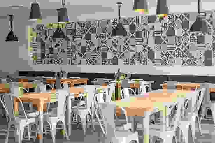 Restaurante Espaços de restauração industriais por TRAÇO 8 INTERIORES Industrial