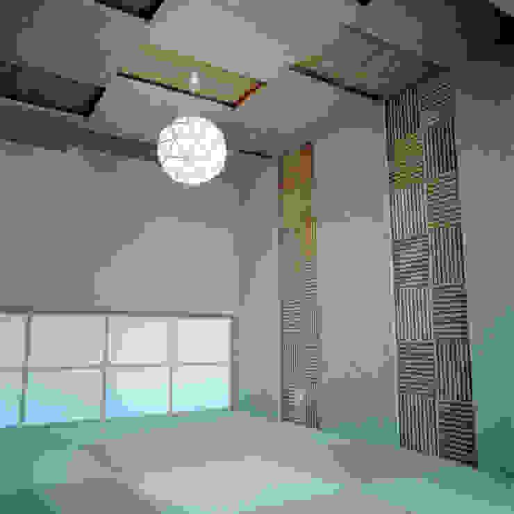 FUKAYA house 和風デザインの 多目的室 の AIDAHO Inc. 和風 木 木目調