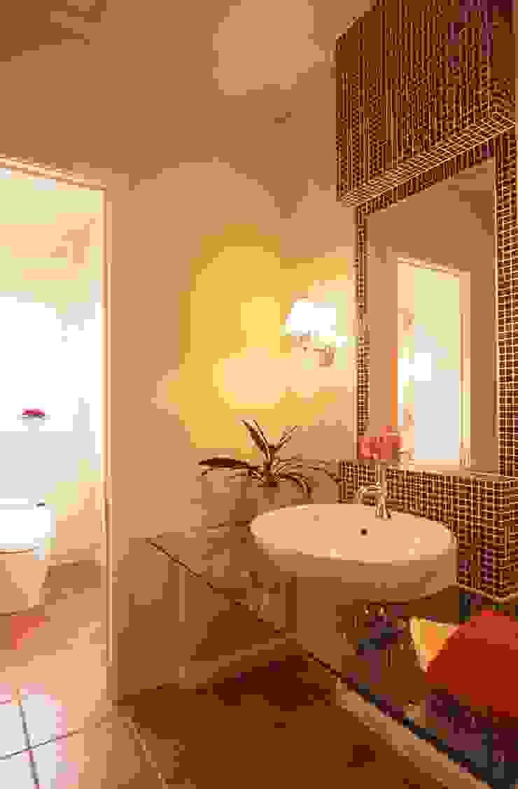 IC house | SANKAIDO 地中海スタイルの お風呂・バスルーム の SANKAIDO | 株式会社 参會堂 地中海