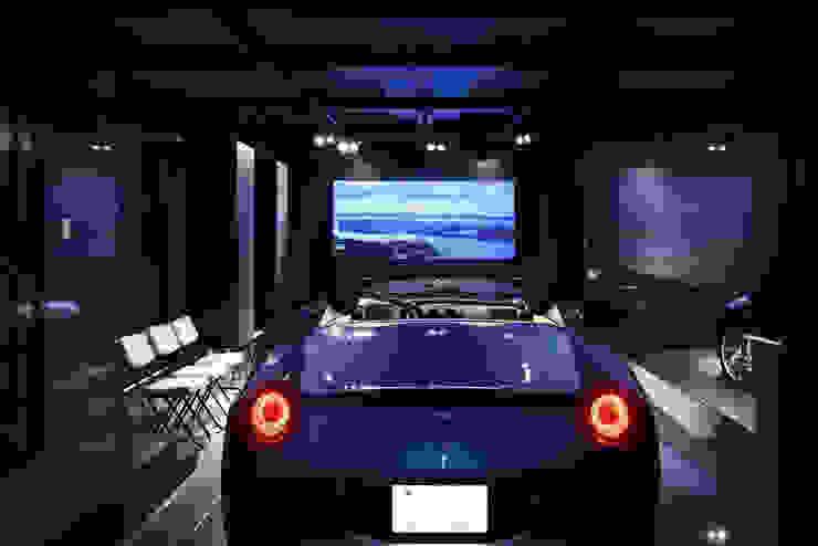 YO house   SANKAIDO 地中海デザインの ガレージ・物置 の SANKAIDO   株式会社 参會堂 地中海